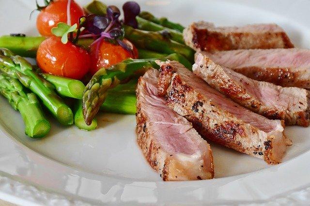 maso s chřestem